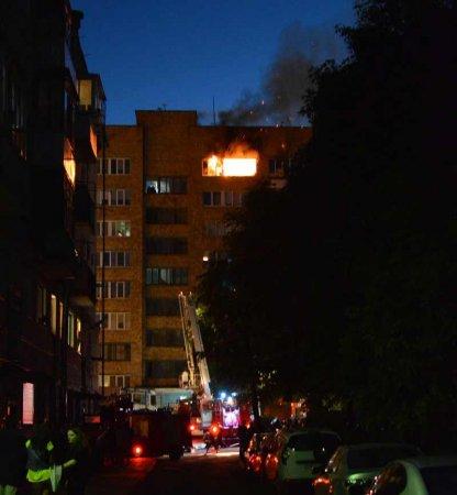 На Партизанском проспекте в Минске открытым пламенем горела квартира